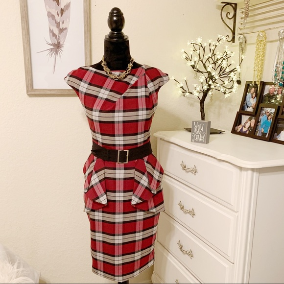 VENUS Dresses & Skirts - Venus plaid form fitting dress size 4